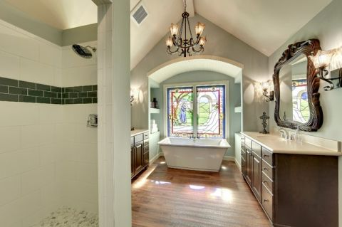 浴室浴缸简欧风格装潢图片