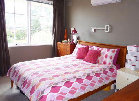卧室粉色细节混搭风格效果图