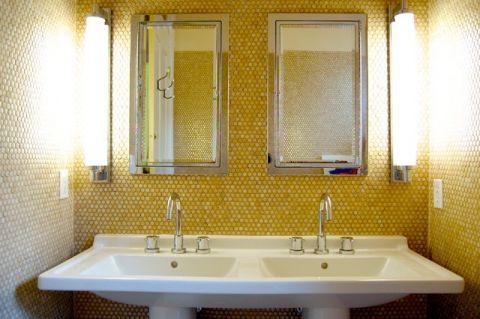 卫生间黄色背景墙混搭风格装饰效果图