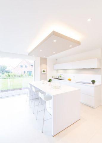 厨房白色吧台现代风格装饰设计图片