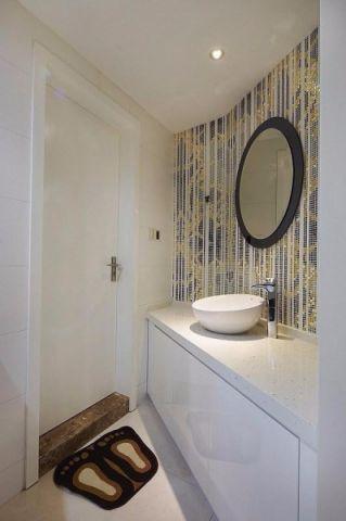 卫生间飘窗后现代风格装饰效果图