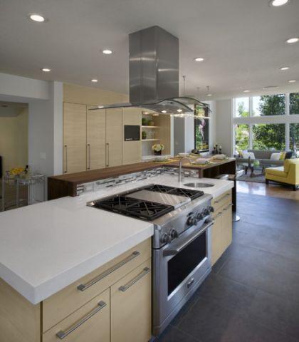 厨房黄色厨房岛台现代风格装饰设计图片