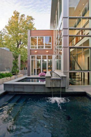 外景蓝色泳池现代风格装修设计图片
