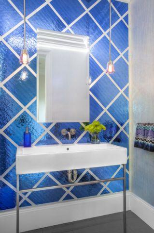 卫生间蓝色背景墙现代风格装潢效果图