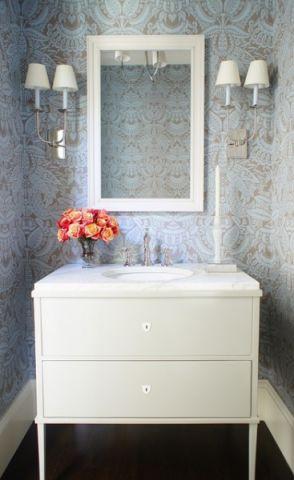 卫生间白色橱柜现代风格装潢图片