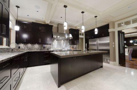 厨房黑色厨房岛台现代风格装修图片