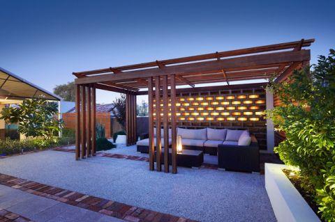花园白色细节现代风格装修设计图片