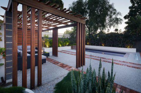 花园白色细节现代风格装修效果图