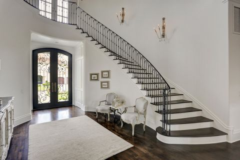 玄关楼梯美式风格装潢效果图