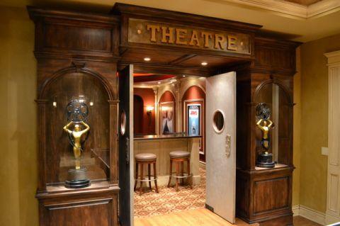 客厅咖啡色门厅美式风格装修效果图