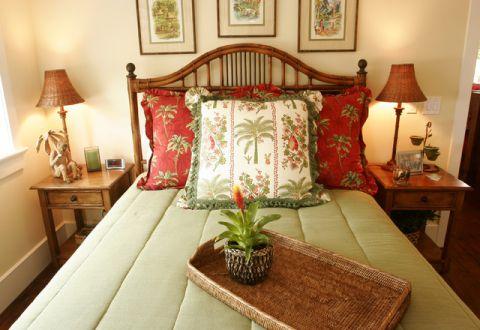 卧室床头柜美式风格效果图