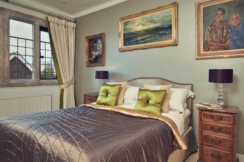 卧室彩色背景墙美式风格装修效果图