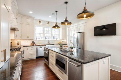 厨房黑色吧台美式风格装潢图片