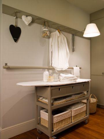 卫生间米色橱柜美式风格装修图片
