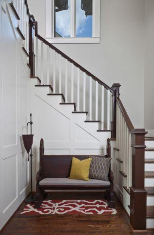 楼梯美式风格装饰设计图片