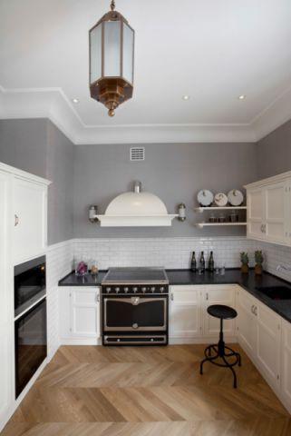 厨房白色橱柜混搭风格装饰图片