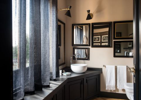 卫生间灰色窗帘混搭风格装修图片
