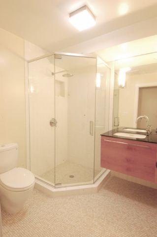 卫生间白色细节混搭风格装修图片
