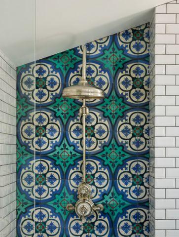 卫生间彩色细节混搭风格装修效果图