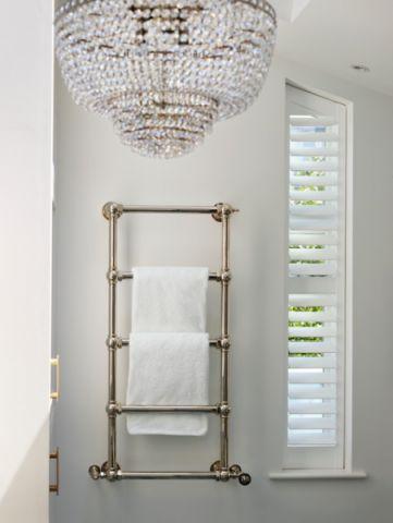 卫生间白色灯具混搭风格装潢效果图