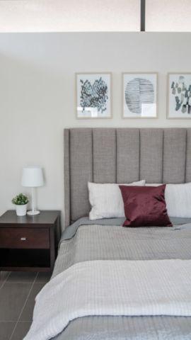 卧室灰色床现代风格装修设计图片