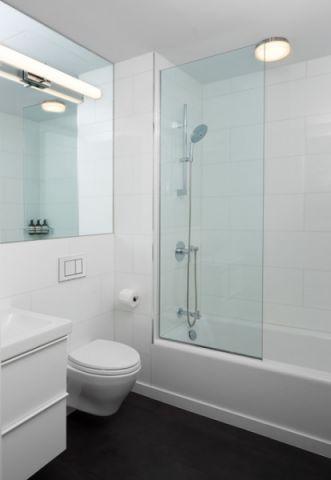卫生间白色细节现代风格装修设计图片