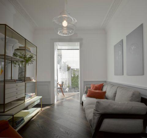 客厅灰色沙发现代风格装饰设计图片