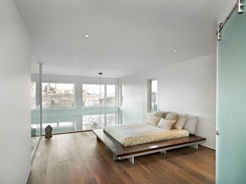 卧室米色床现代风格装潢图片
