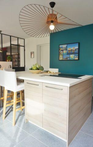 厨房黄色灯具现代风格装饰图片