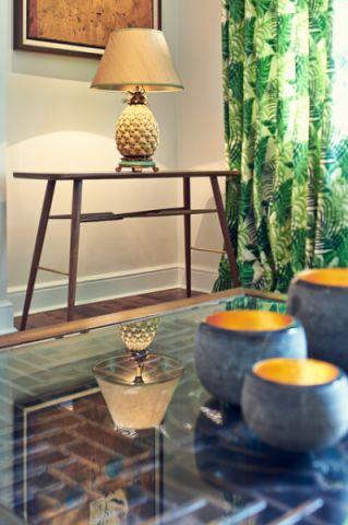 客厅彩色茶几现代风格装修设计图片