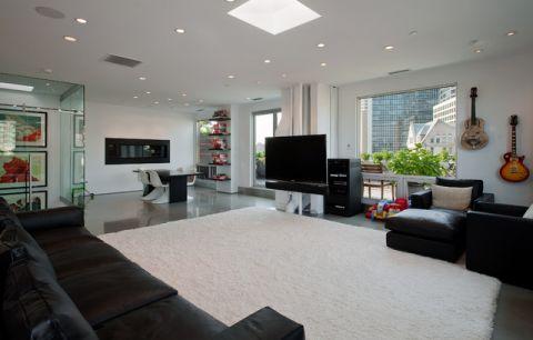 客厅黑色沙发现代风格装饰效果图
