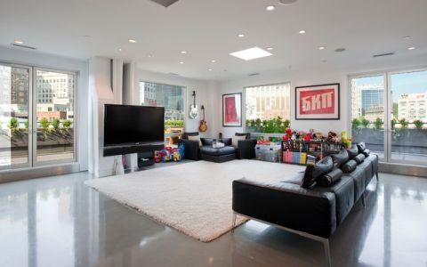 客厅黑色沙发现代风格装饰图片