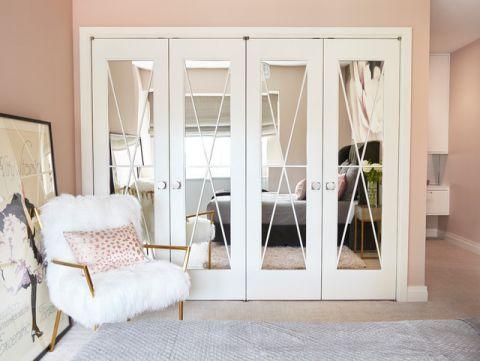 卧室白色衣柜现代风格效果图