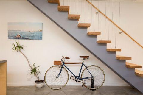 餐厅咖啡色楼梯现代风格装饰图片