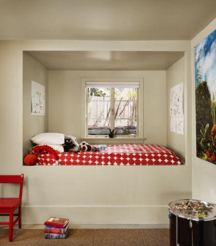 儿童房白色榻榻米现代风格装修效果图