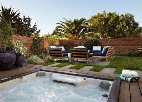 阳台咖啡色泳池现代风格装修效果图