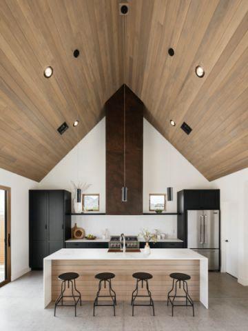 厨房咖啡色吊顶现代风格装修设计图片
