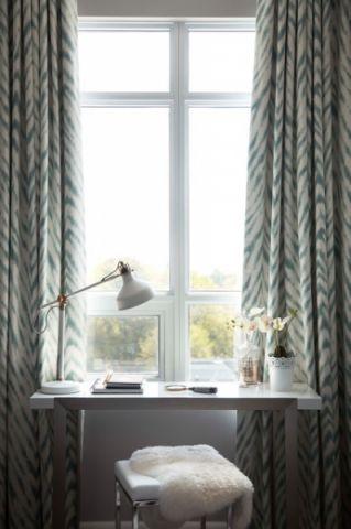 卧室白色窗帘现代风格装潢设计图片