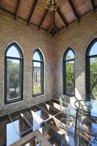 阳台咖啡色吊顶现代风格装潢效果图