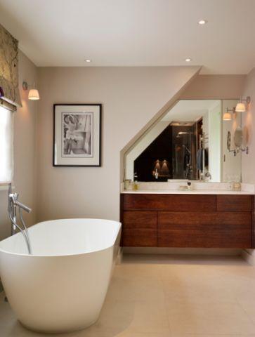 卫生间浴缸现代风格装饰效果图
