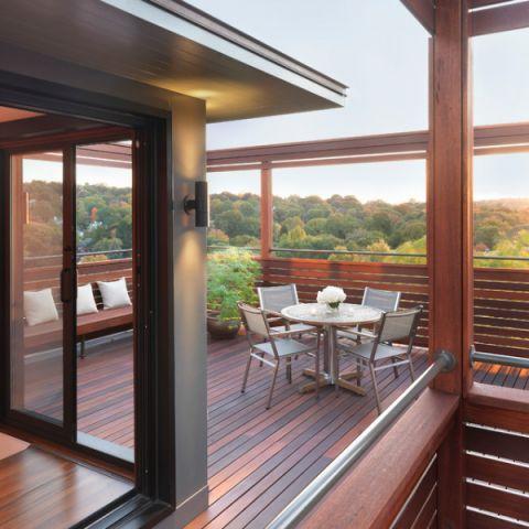 清新自然现代风格阳台装修效果图