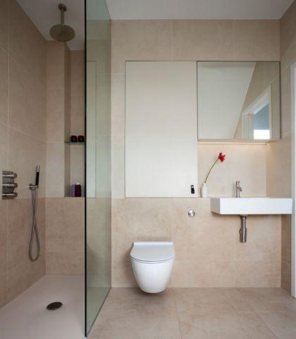卫生间隐形门现代风格装饰图片