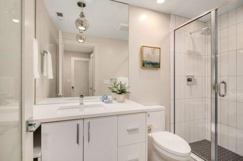 卫生间隔断现代风格装潢图片