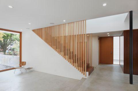 客厅灰色走廊现代风格装潢效果图
