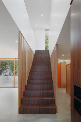 咖啡色楼梯现代风格装饰图片