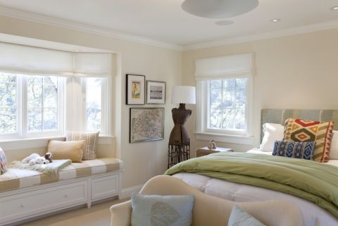 豪华白色男生卧室装饰设计