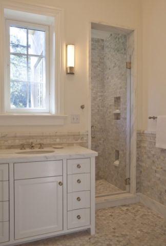 卫生间白色橱柜美式风格装修效果图
