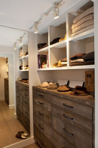玄关橱柜美式风格装潢图片