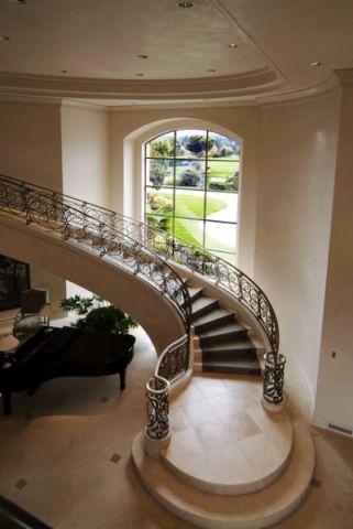 玄关楼梯简欧风格装修效果图