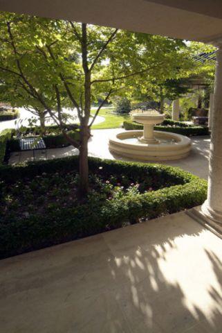 花园地砖简欧风格装饰效果图